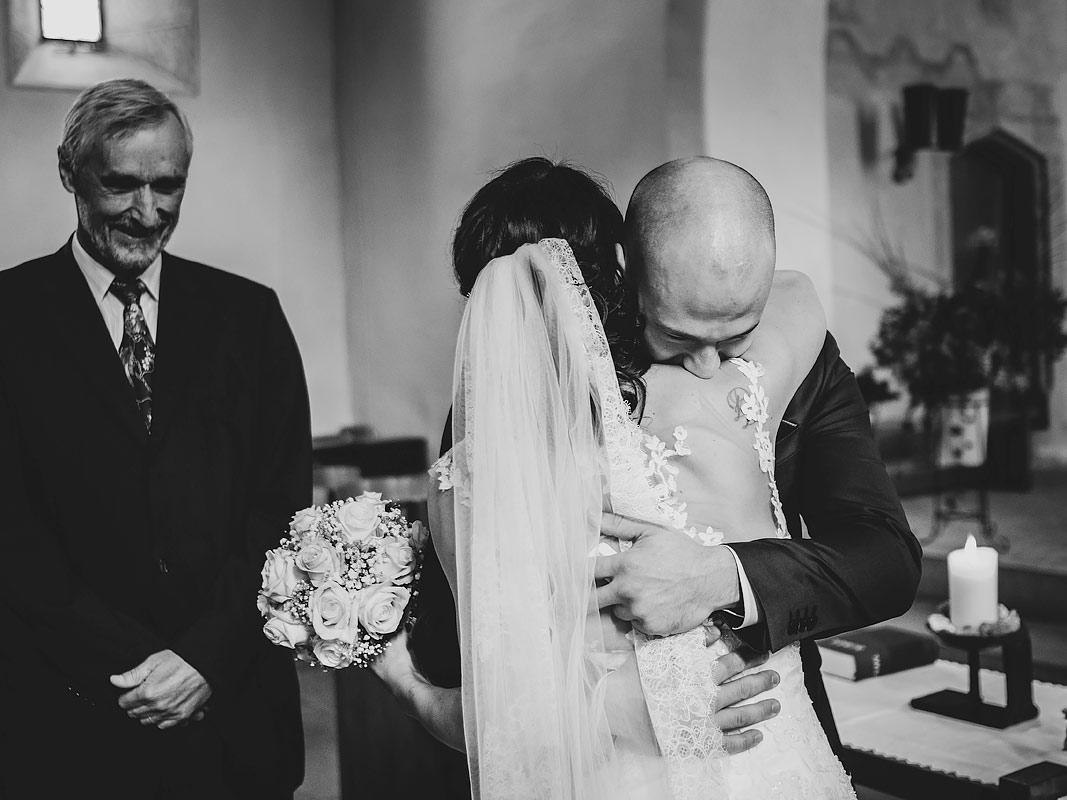 Hochzeit Kirche Braut Braeutigam