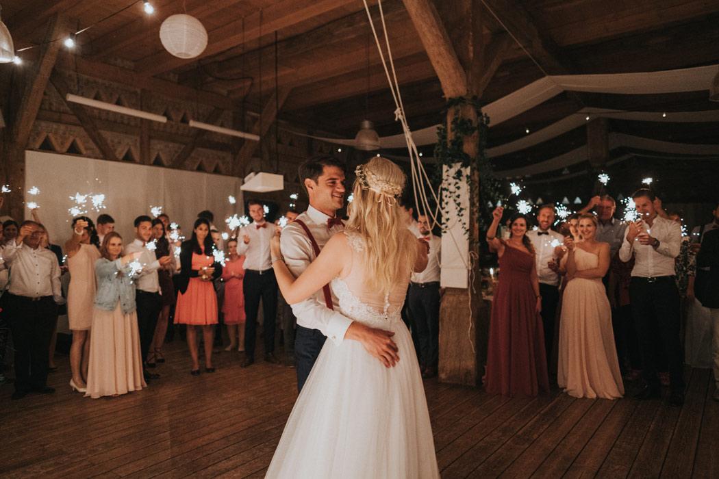 Hochzeit Tanz Brautpaar